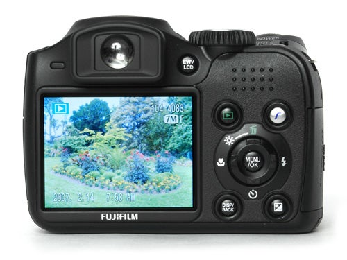 Fujifilm finepix s5700 review trusted reviews for Finepix s5700 prix