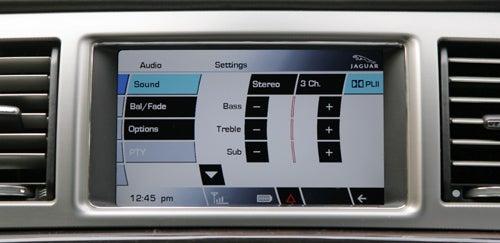 Jaguar XF 3 0L Diesel Sport Portfolio – Entertainment Review
