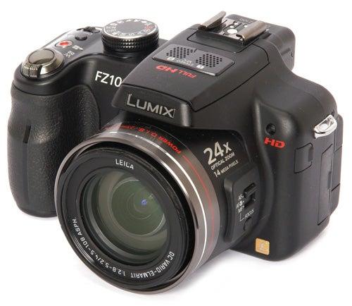 Panasonic Lumix DMC-FZ100 front angle