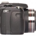 Panasonic Lumix DMC-FZ100 side