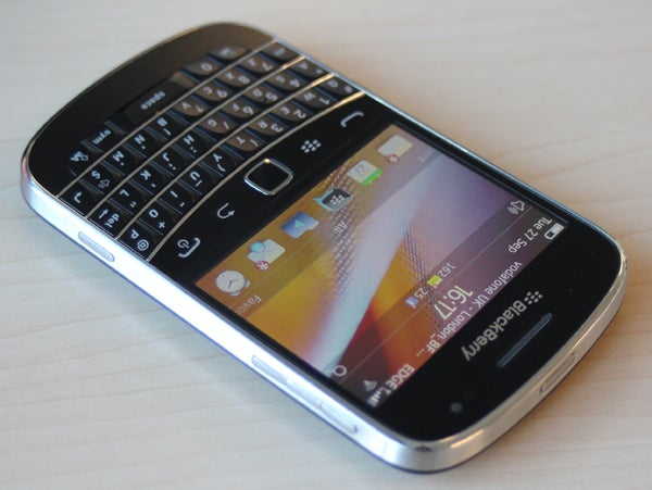 Blackberry bold 9900 multimedia battery and verdict review blackberry bold 9900 2 reheart Images
