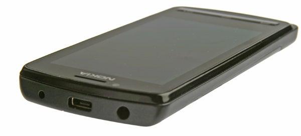Nokia 700 7