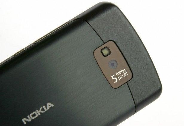 Nokia 700 5