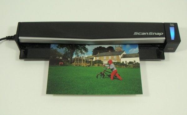 Fujitsu ScanSnap S1100 - Scanning