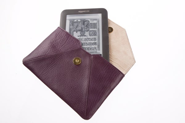 Capulet Nancy Kindle Case 2