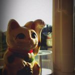HTC One X Camera - Indoor Beckoning Cat