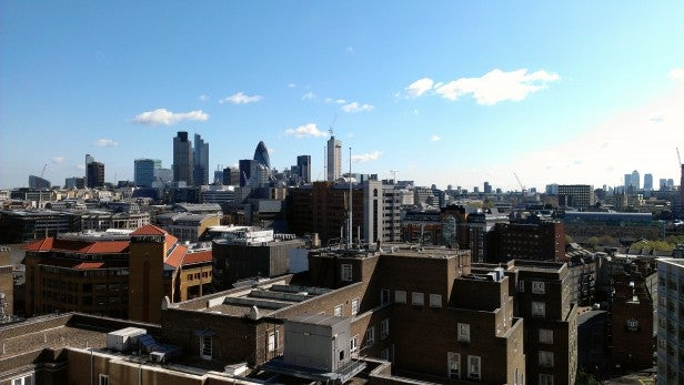 HTC One S Camera - Outdoor Skyline Good Lighting