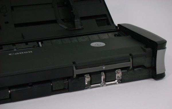 Canon ImageFORMULA P-215 - Card Slot