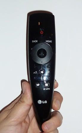 LG 47LM960V