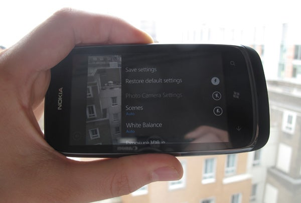 Nokia Lumia 610 13