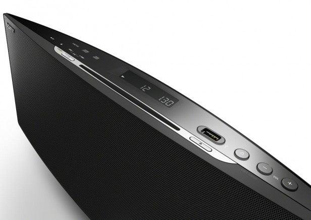 Sony CMT-V758BTiP Dock 6