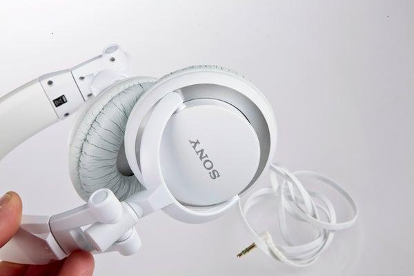 Sony MDR-V55 Review  a4eb8eb9958da