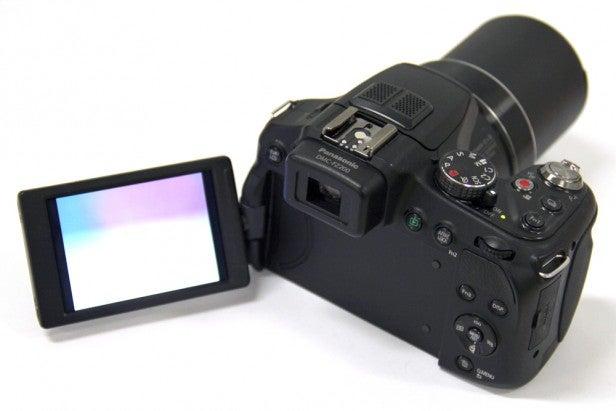 Lumix FZ200 13