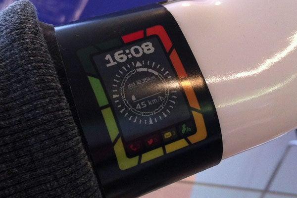 Flexible display smartwatch in production via major