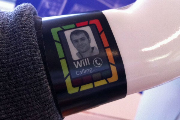 Plastic Logic Smartwatch concept