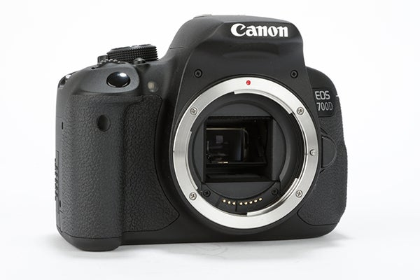 Canon eos 700d review trusted reviews for Housse canon 700d