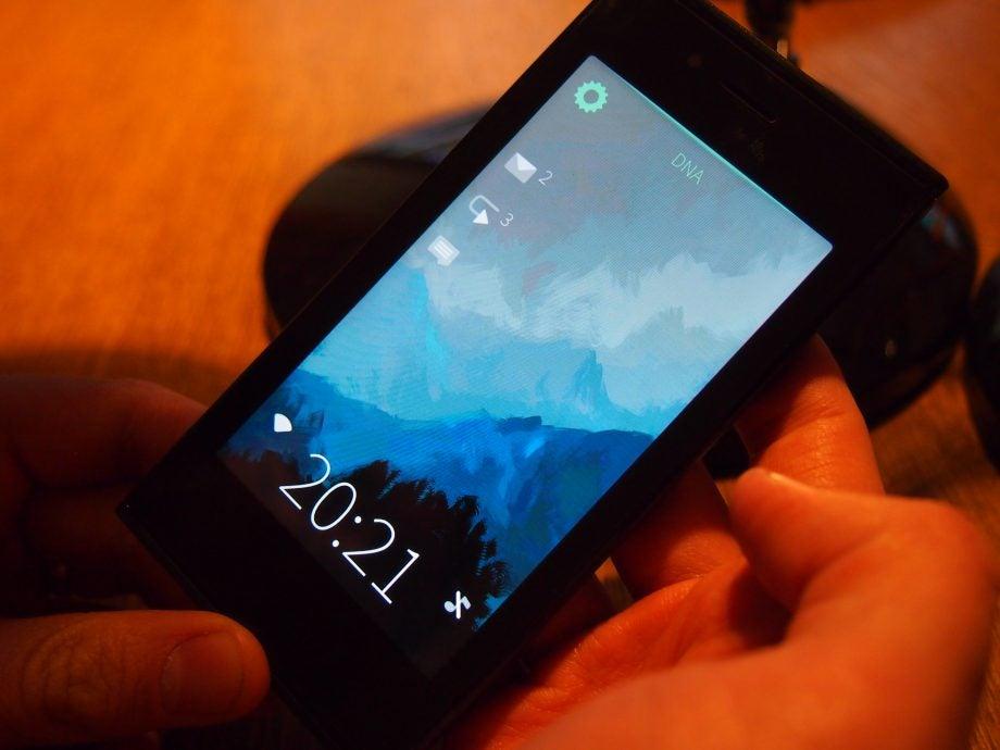 Sailfish OS homescreen