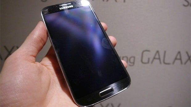 Samsung galaxy s4 google edition rumoured for google io trusted samsung will apparently launch the samsung galaxy s4 google edition running the stock android os at google io voltagebd Images