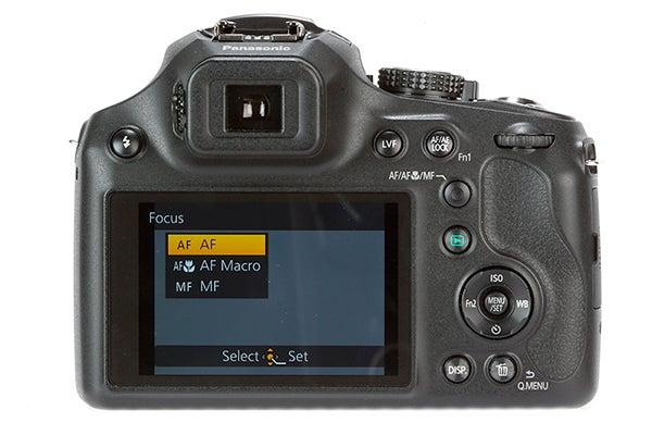 Panasonic Lumix FZ72 10