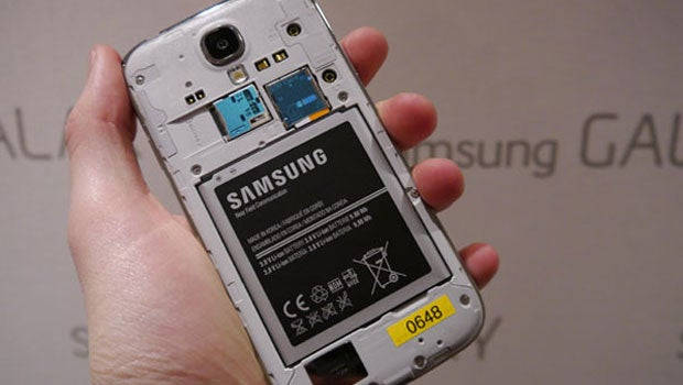 Samsung Galaxy S4 Battery Problems Samsung Offers Free
