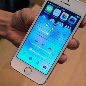 The IPhone 5S And 5 Use Exactly Same Software IOS 7 There Are Improvements Made In 5Ss Hardware But They Dont Fundamentally