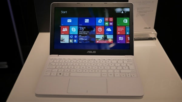 Asus EeeBook X205 17