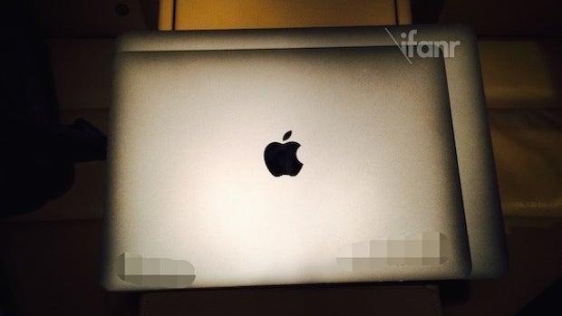 Alleged 12-inch MacBook Air component