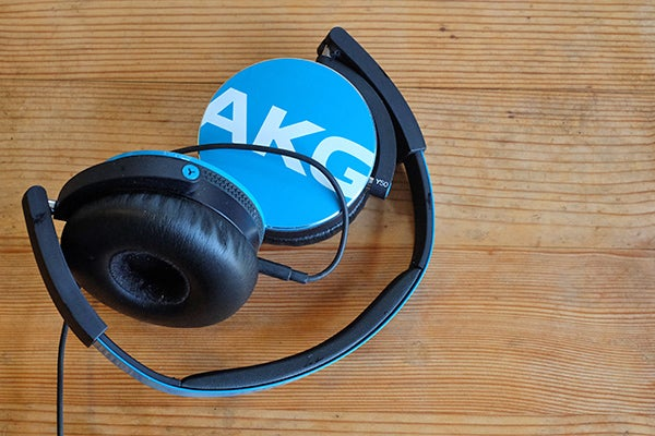 AKG Y50 vs Beats Solo 2 4b2f20552a307