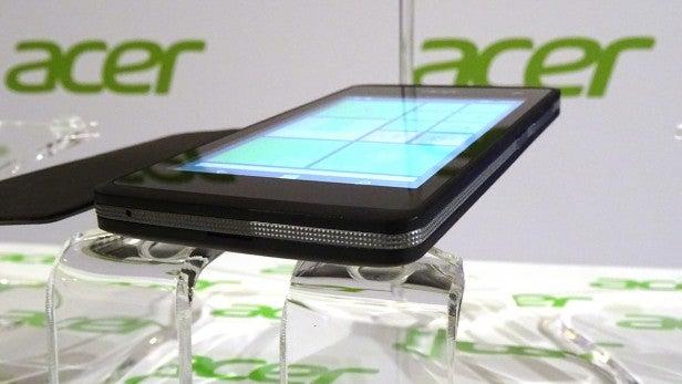 Acer Liquid M220 Side