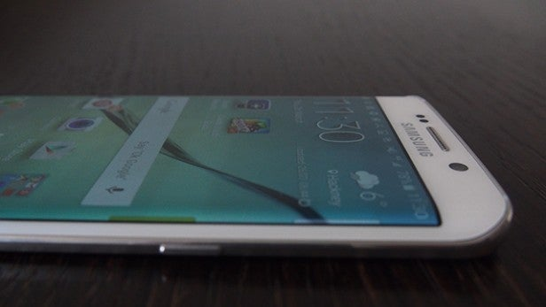 Samsung Galaxy S6 Edge: What can the curved screen actually