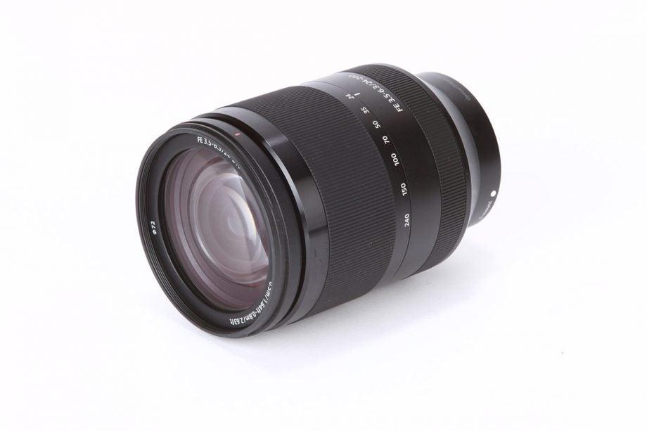 Sony FE 24-240mm f/3.5-6.3 OSS