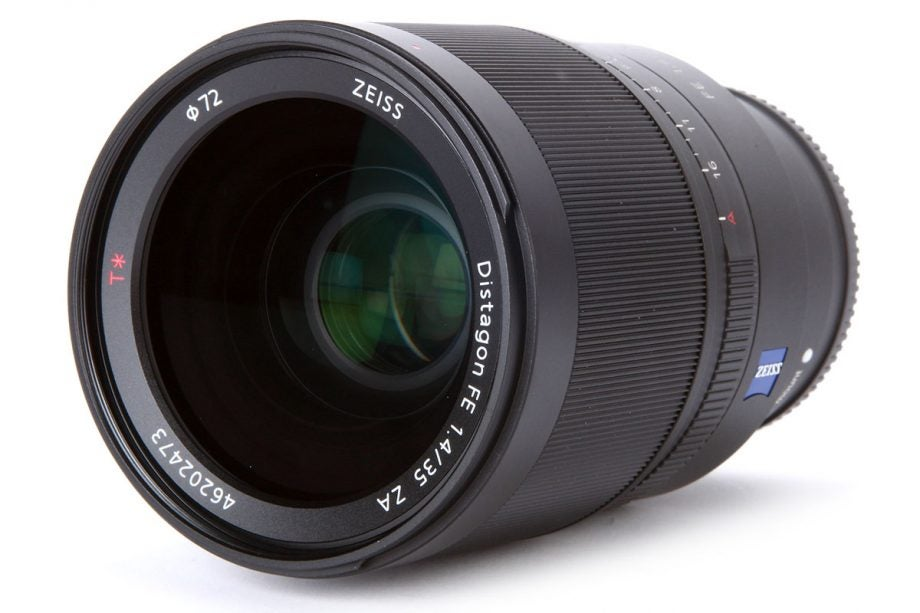 Sony Zeiss Distagon T* 35mm f/1.4 ZA
