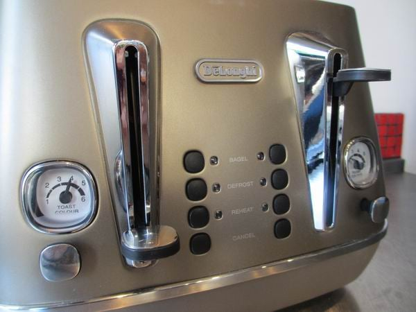De Longhi Distinta 4 Slot Toaster Review