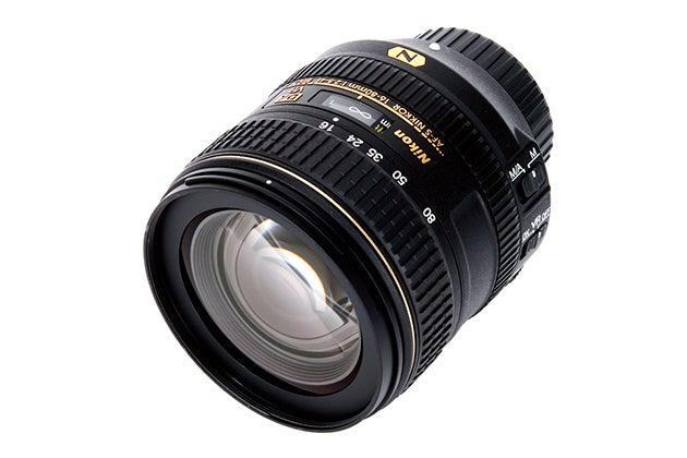Nikon AF-S DX Nikkor 16-80mm f/2 8-4E ED VR review Review