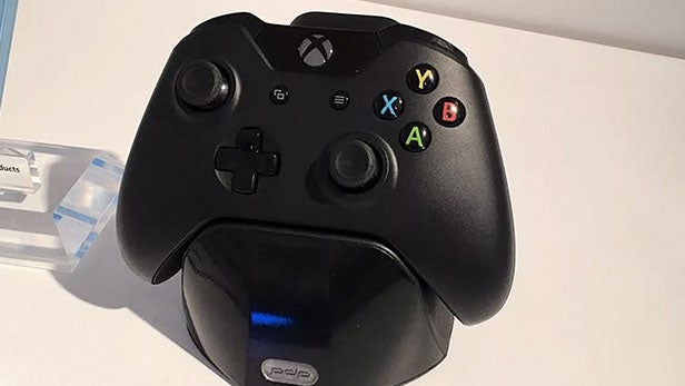 Pdp S Battery Tech Charges Your Xbox One Controller In 60