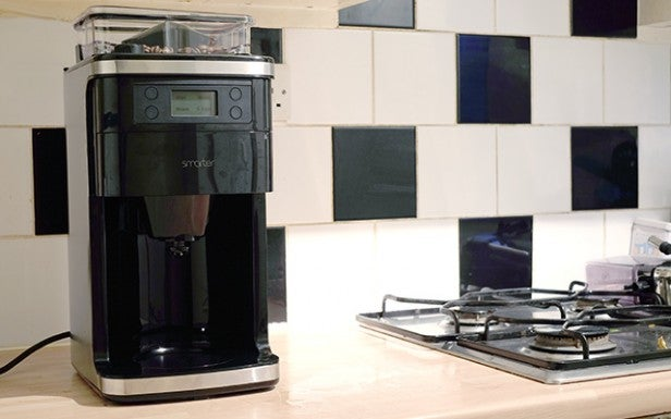 'Smarter Coffee Machine 5' from the web at 'http://ksassets.timeincuk.net/wp/uploads/sites/54/2016/01/smarter-14-3.jpg'