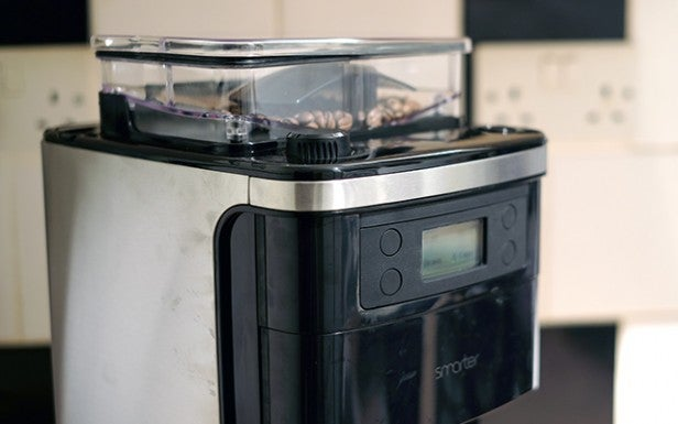 'Smarter Coffee Machine 13' from the web at 'http://ksassets.timeincuk.net/wp/uploads/sites/54/2016/01/smarter-6-3.jpg'