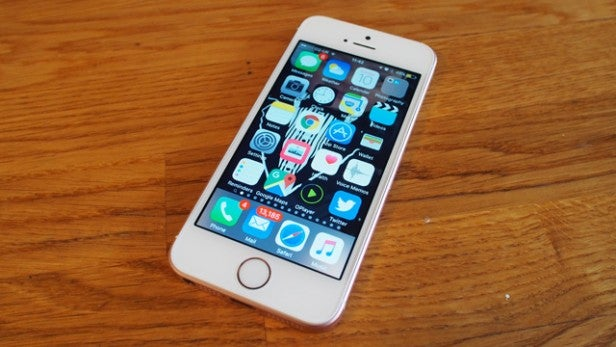 Apple pays up €25 million for slowing down iPhones with software updates