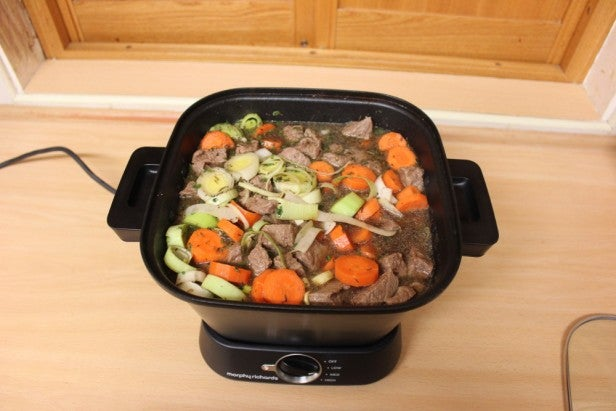 Morphy Richards Sear and Stew Compact 9