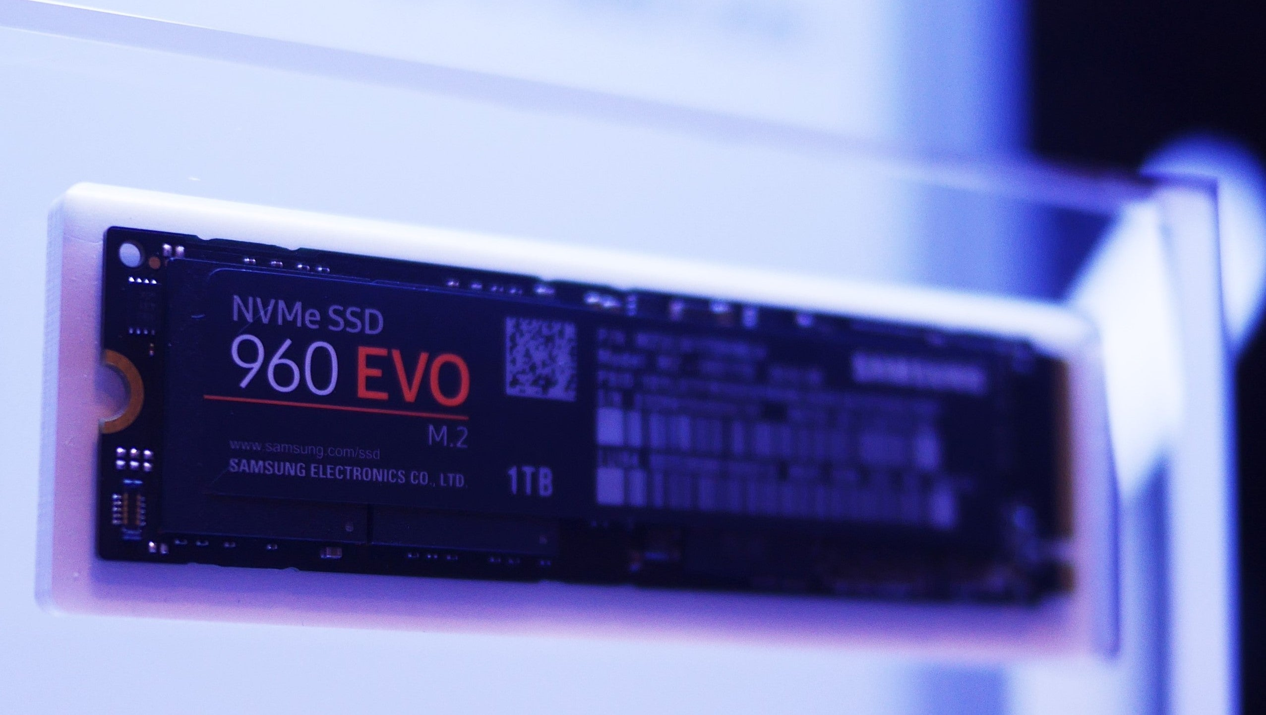 Samsung Unleashes 960 Pro And Evo M2 Ssds With Ridiculous Write Ssd Nvme 250gb Speeds Trusted Reviews