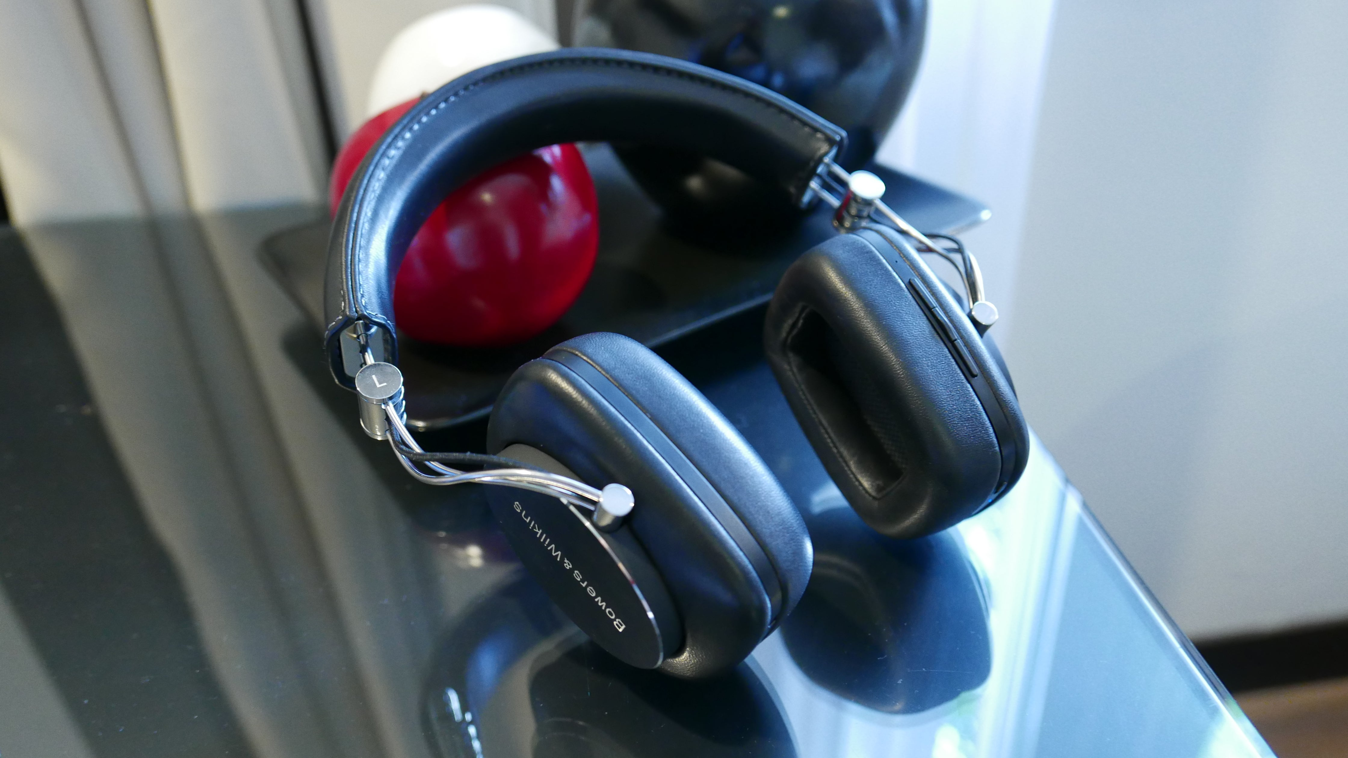 Bowers Wilkins P7 Wireless Review Trusted Reviews Px Active Noise Cancelling Headphones