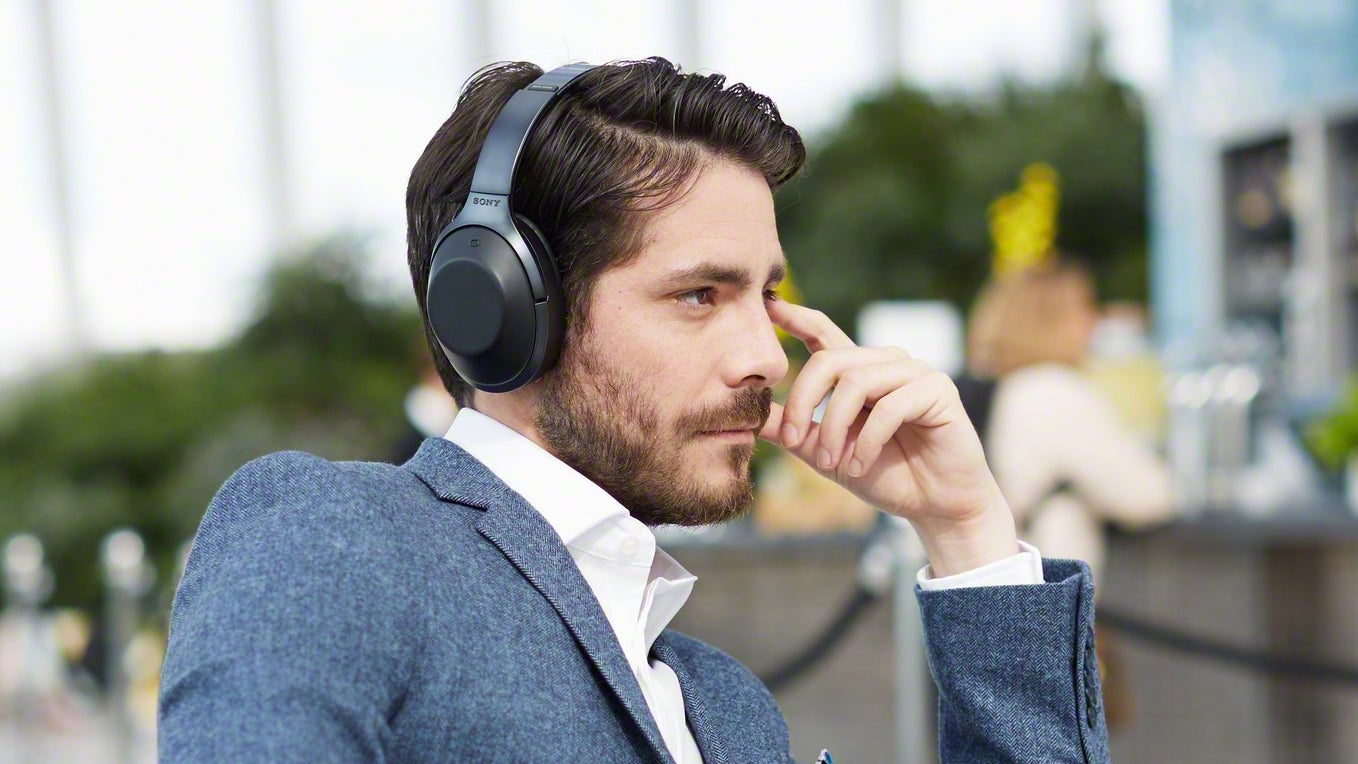 Sonys Awesome Wireless Headphones Let You Decide How Much Noise To Sony Noice Cancelling Bluetooth Headphone Mdr 1000x Cancel Trusted Reviews