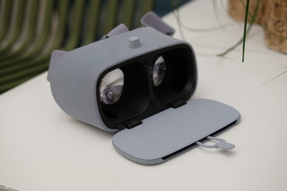 Google Daydream View (2017) Review | Trusted Reviews