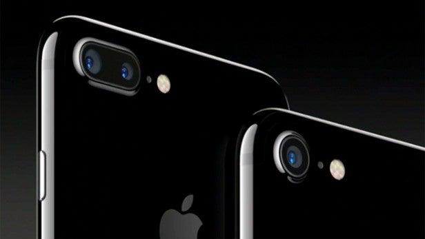 Google Pixel vs iPhone 7: Google and Apple go to war