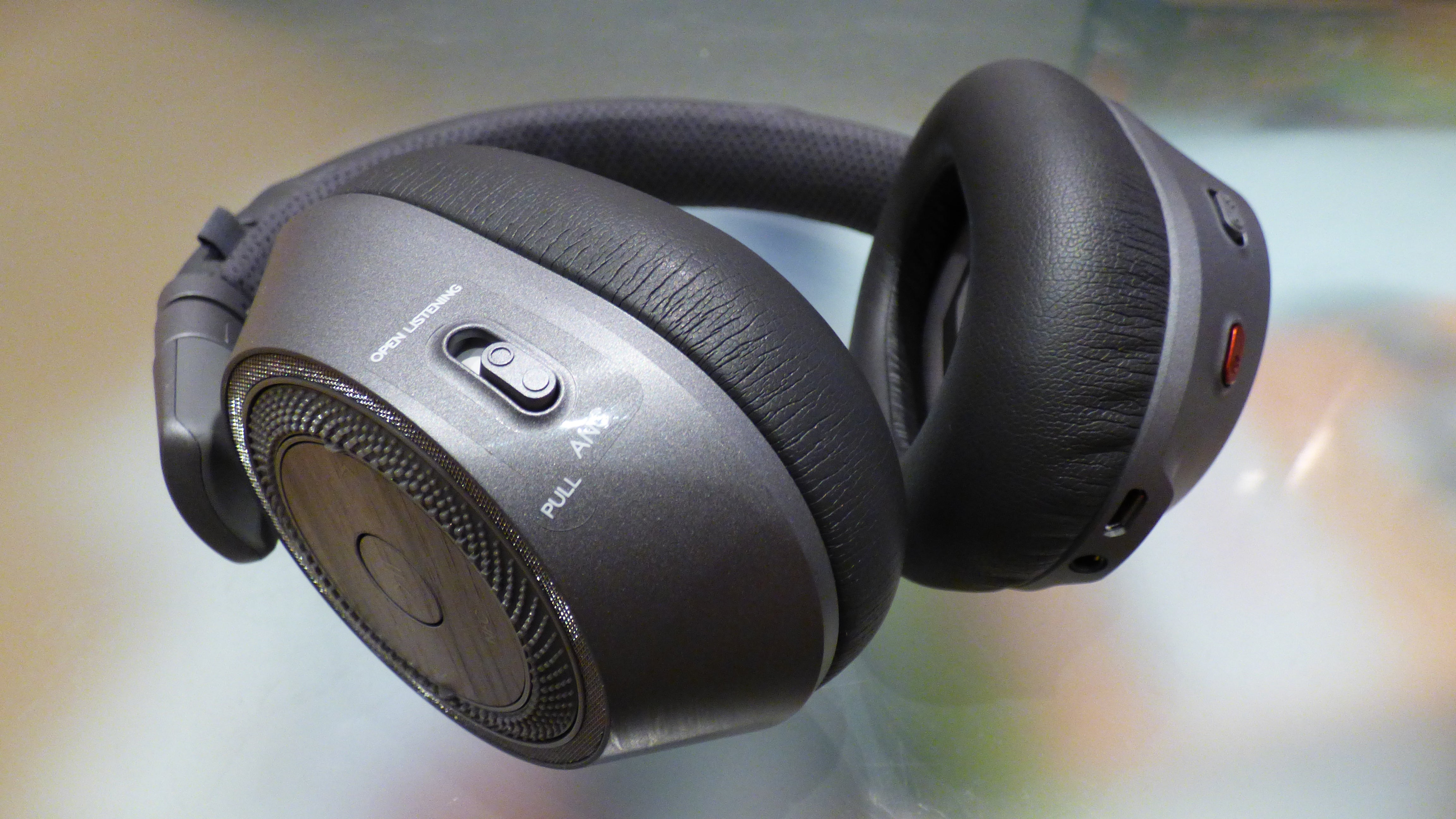 plantronics backbeat pro 2 review trusted reviews. Black Bedroom Furniture Sets. Home Design Ideas