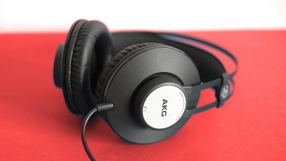 AKG K72 13