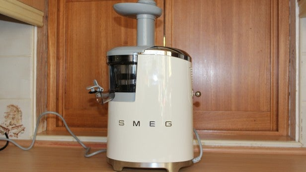 Smeg Slow Juicer Reviews : Smeg SJF01 Slow Juicer Review Trusted Reviews