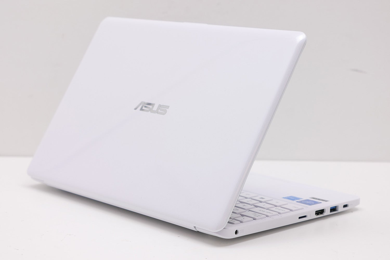 Asus VivoBook E12 E203NA Review | Trusted Reviews
