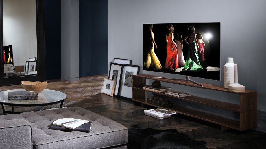 Samsung Q7 QLED TV 12