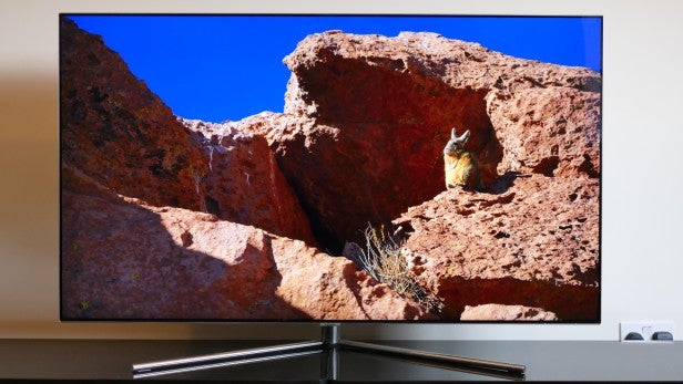 Samsung Q7 QLED TV 8